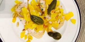 Crostini mit Thunfischcreme und gelber Paprika